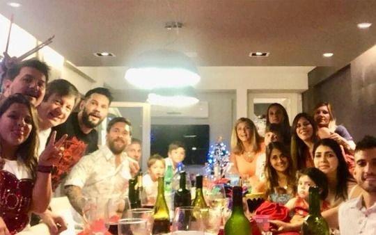 Así recibió el año 2018 Lionel Messi y su familia en Rosario