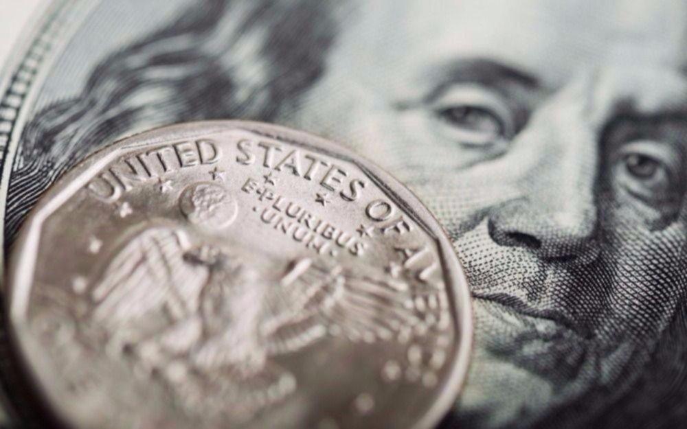 El dólar volvió a subir y cerró a un promedio de $18,95
