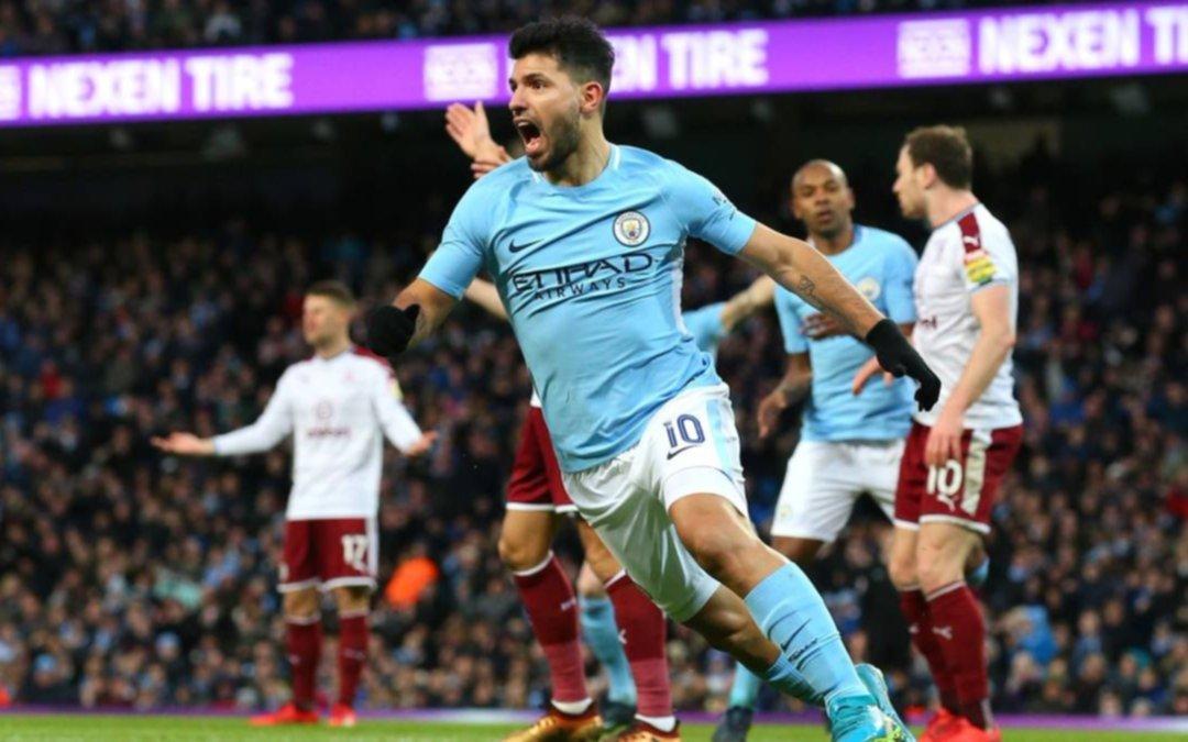 Agüero endereza al City en la FA Cup