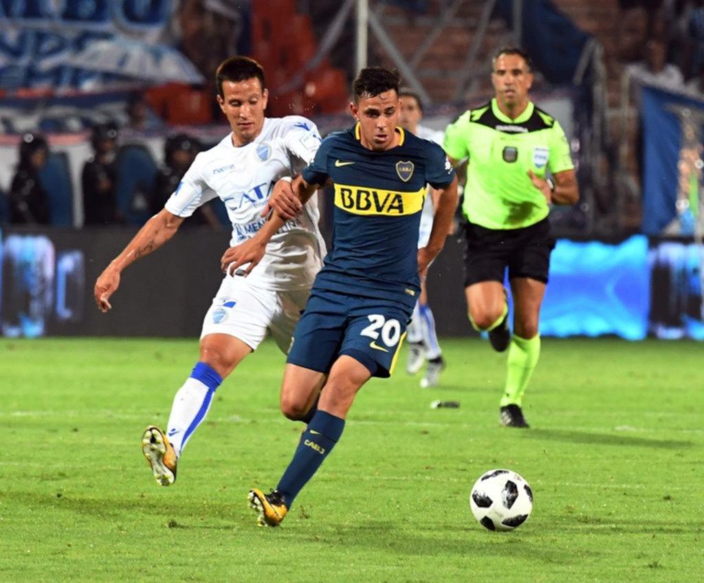 Boca Juniors estrena su equipo de lujo ante Godoy Cruz