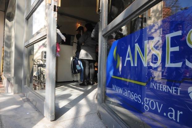 Aumento del 15,35% para los jubilados de la Anses - el-pais