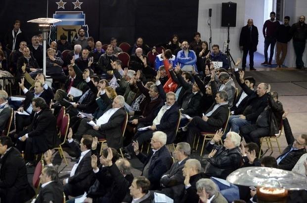 Tinelli denunció que ofrecían plata en las elecciones de la AFA