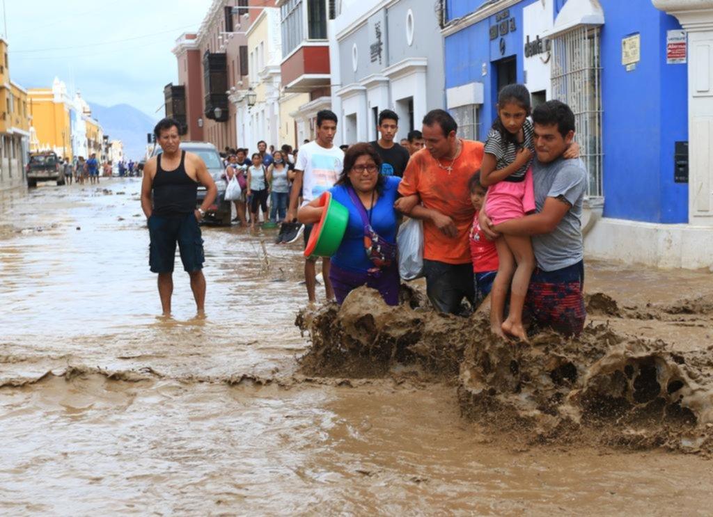 """Se agrava la tragedia en Perú por la """"maldición del agua"""""""