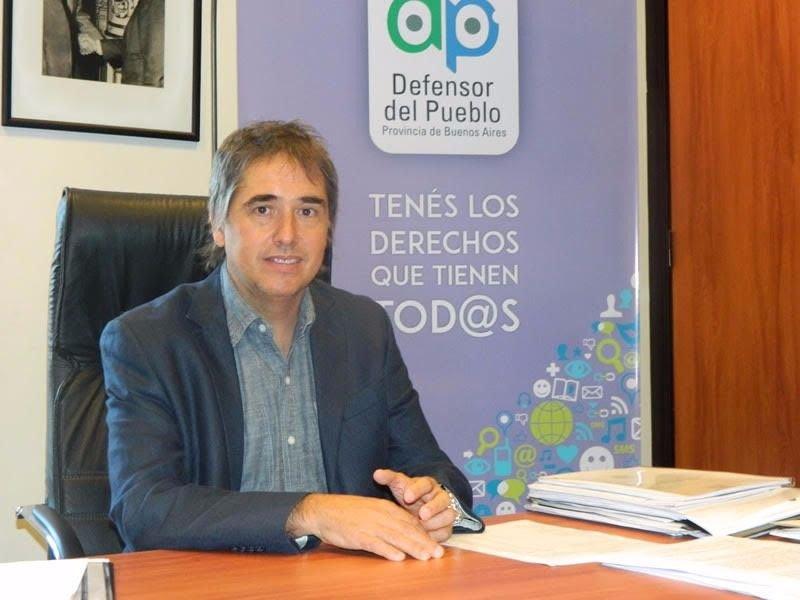 """Lorenzino: """"la Defensoríaseguirá insistiendopara que se solucione el conflicto docente"""""""