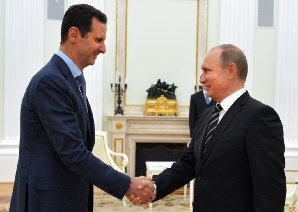 Putin recibe a Tillerson en el Kremlin