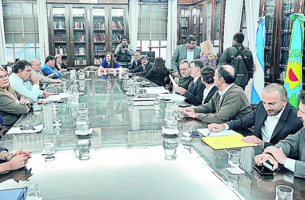 Todos los gremios docentes de la provincia adhieren al paro