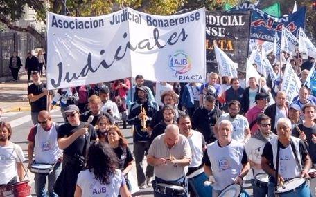 Los judiciales bonaerenses paran mañana por paritarias