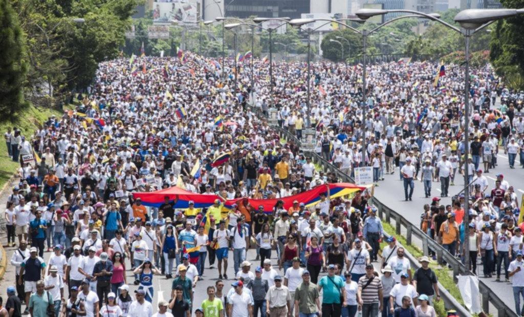Buenos Aires acoge actos a favor y en contra del Gobierno de Nicolás Maduro