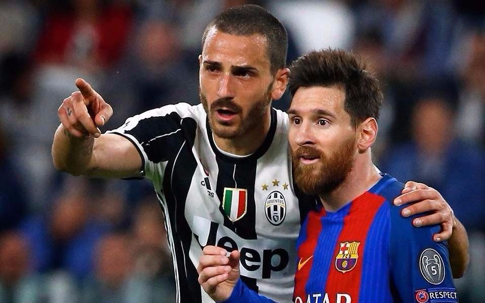 Defensas de la 'Juve' pelean por camiseta de Messi