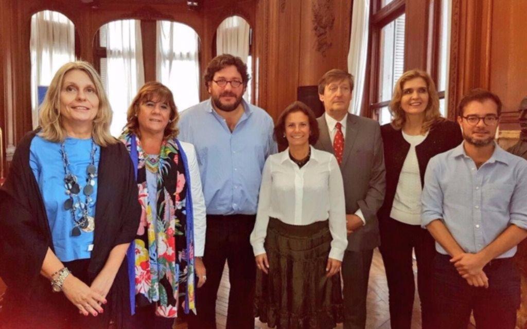 Exigen la renuncia del ministro de Cultura, Pablo Avelluto