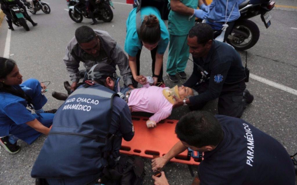 Confirman once muertes en Caracas durante protestas y saqueos