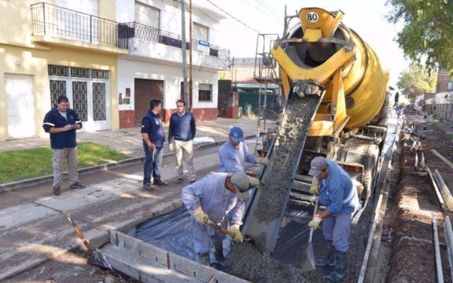 Katopodis visitó nuevas obras de pavimentación en José León Suárez