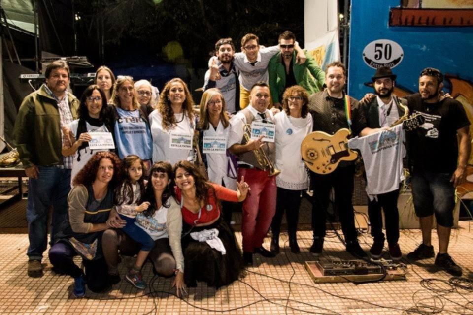 Retoman la paritaria docente e instalan carpa en plaza San Martín