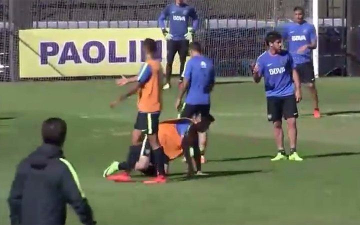 Pablo Pérez pegó una patada y Guillermo lo echó