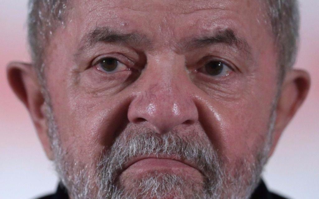 Grupos a favor y en contra de Lula se manifiestan en Curitiba