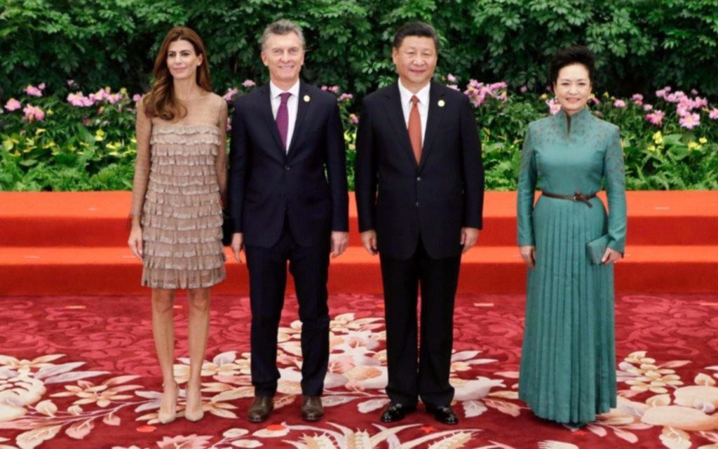 Duelo de estilos entre Juliana Awada y su par china