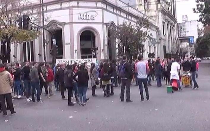 Protesta y tránsito complicado en 7 y 46