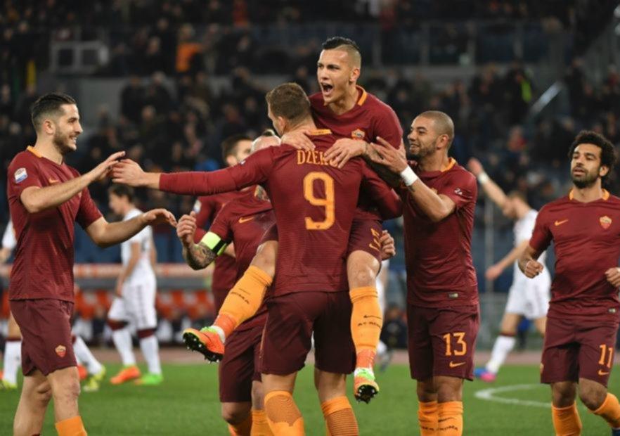 Roma ganó y mantiene vivas sus esperanzas