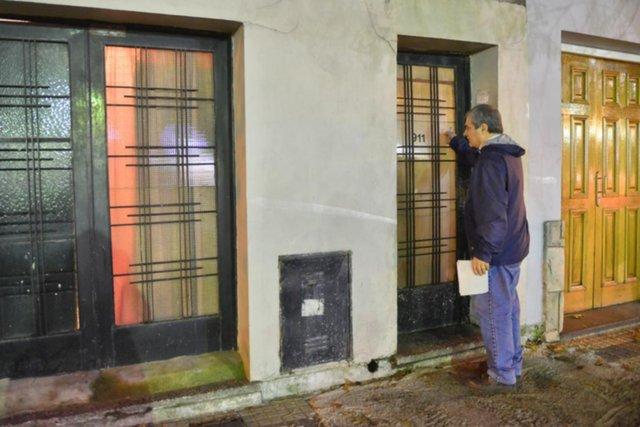 Atacó a puñaladas a su ex novia en un departamento y lo atraparon los vecinos
