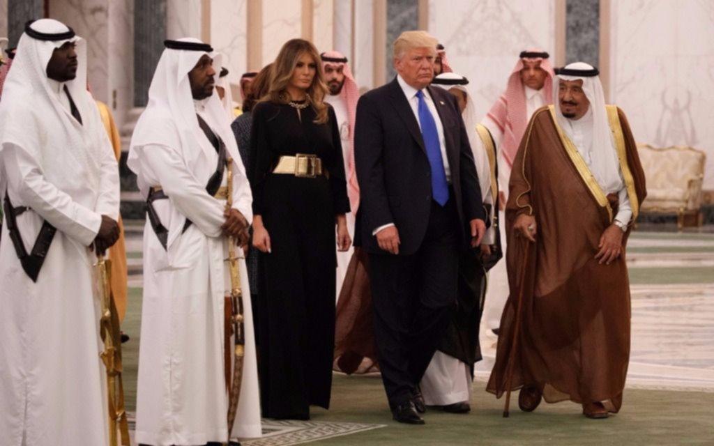 Trump comenzó su primera gira internacional en Arabia Saudita