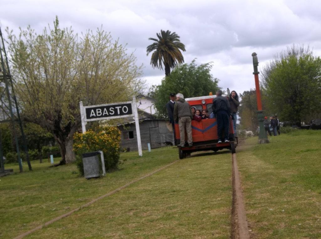 El tren, histórico impulsor de una localidad que sueña con su vuelta