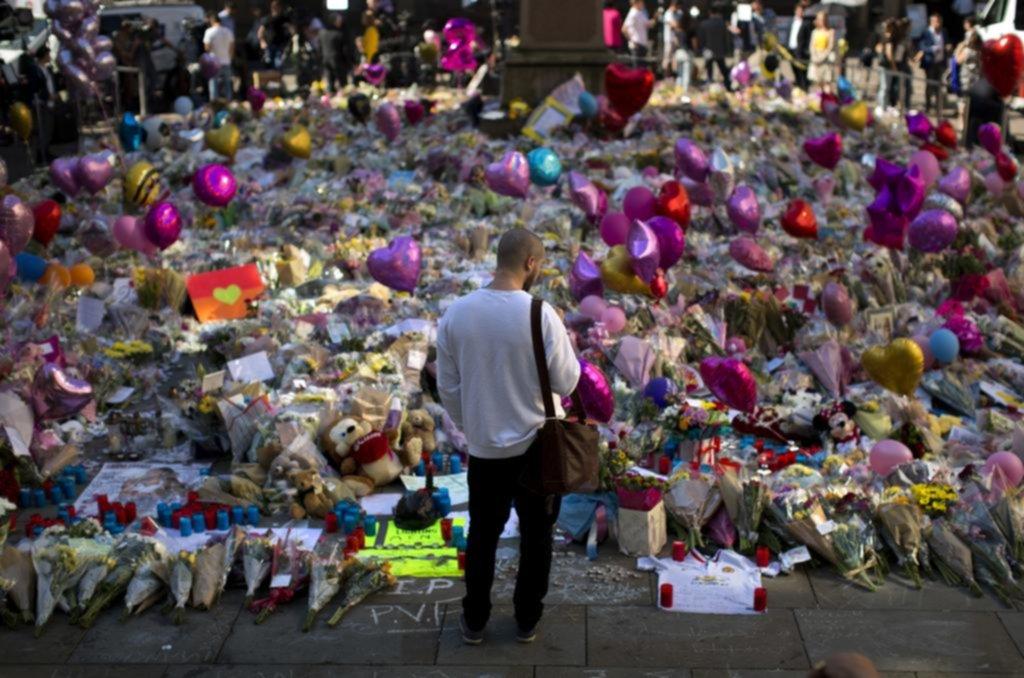 Autoridades británicas identificaron al sospechoso del ataque suicida en Manchester — AP