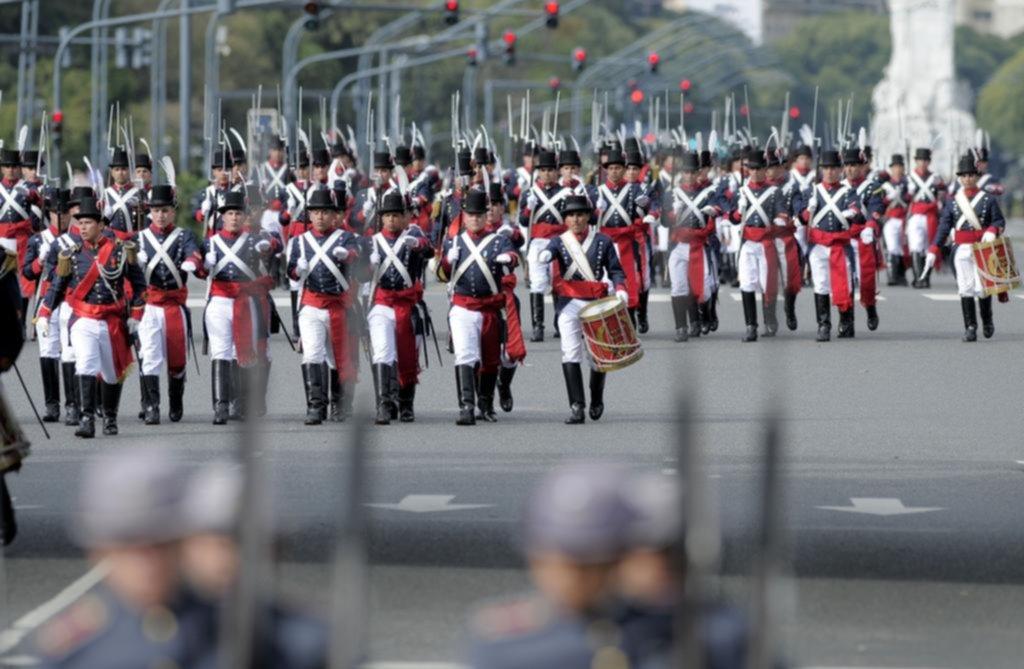 Veteranos de Malvinas marcharon por el aniversario del 25 de mayo