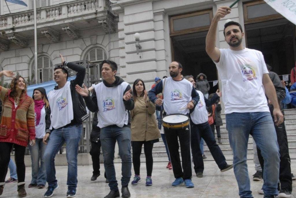 Contra el aumento por decreto, judiciales bonaerenses paran por 48 horas