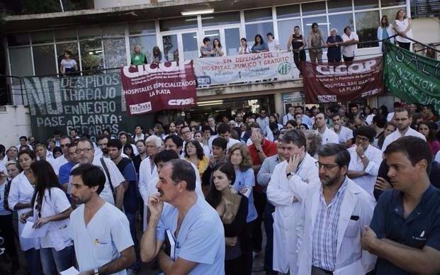 Médicos bonaerenses anunciaron paro por aumento salarial