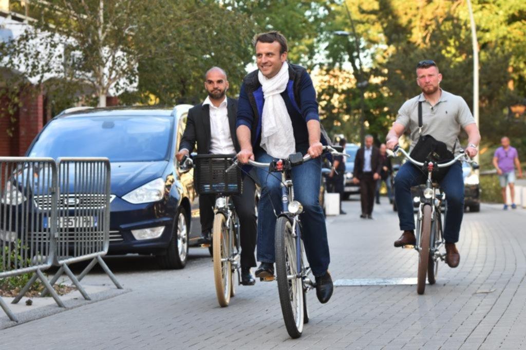 Encuestas dan mayoría aplastante a partido de presidente francés — URGENTE