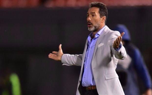 Gustavo Matosas renuncia a Cerro Porteño y vuelve a México