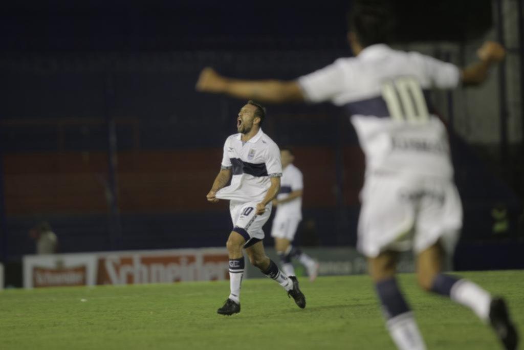 Gimnasia (LP) sorprendió a Talleres al ganarle por 1 a 0