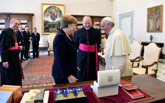 El Papa y Merkel apoyaron acuerdos climáticos