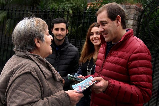 Garro ya sale a los barrios a mostrar sus candidatos