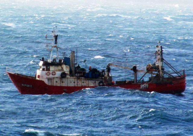 Tres muertos, 2 sobrevivientes y 7 desaparecidos tras el naufragio