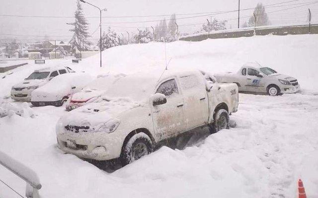 Rutas anegadas y aislamiento en  Chubut tras tormenta de nieve