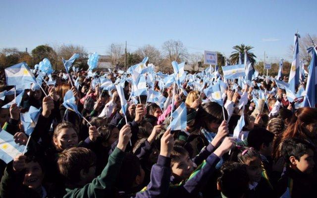 Más de 4.000 chicos hicieron su promesa de lealtad a la Bandera en Pilar