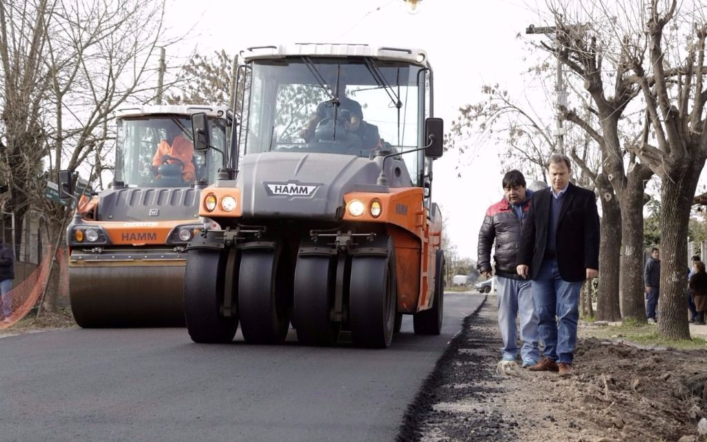 Cascallares recorrió obras de asfalto en Burzaco y Solano