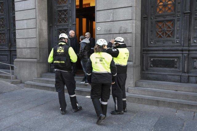 Susto en el Senado de la Nación, que fue evacuado por una amenaza de bomba