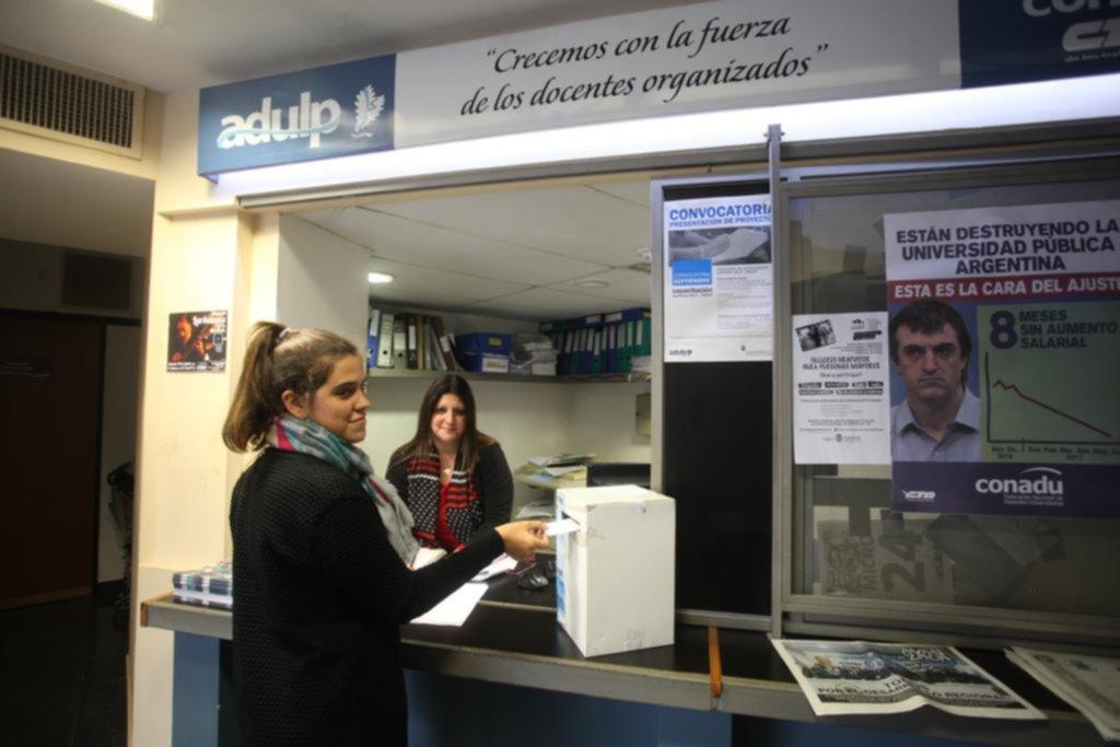 Universitarios definen si vuelven a clases tras el receso de invierno