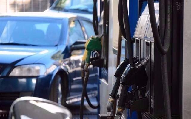 Las naftas aumentarían un 3% a partir del 1 de Julio