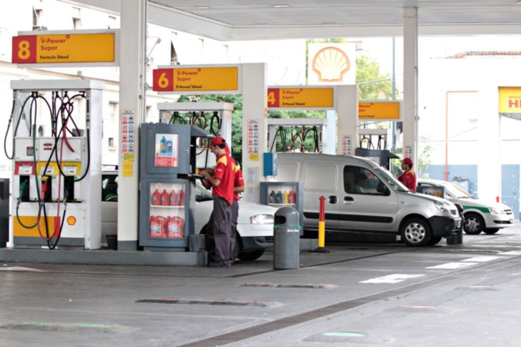 Advierten sobre una posible suba de las naftas del 3%