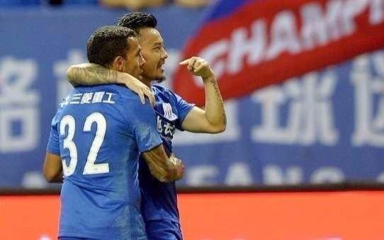 Tevez marcó para el triunfo de Shanghai Shenhua