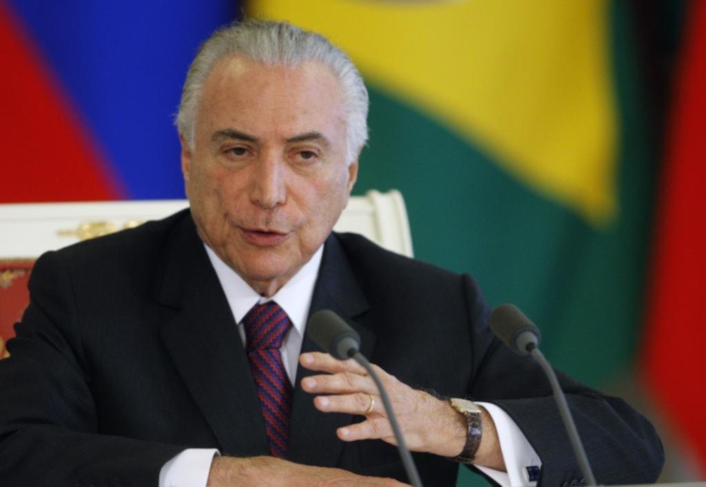 Fiscalía de Brasil pide procesar al presidente por corrupción