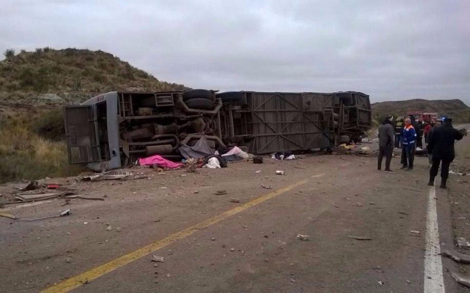 Accidente fatal en Mendoza: al menos 12 muertos en la ruta 144