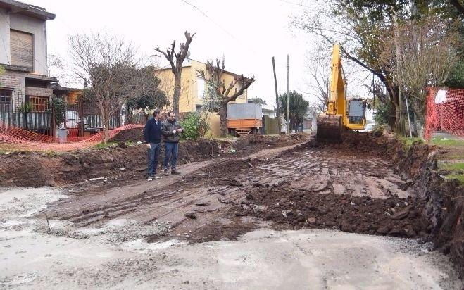 Katopodis visit nuevas obras de pavimento en villa for Calle mistral