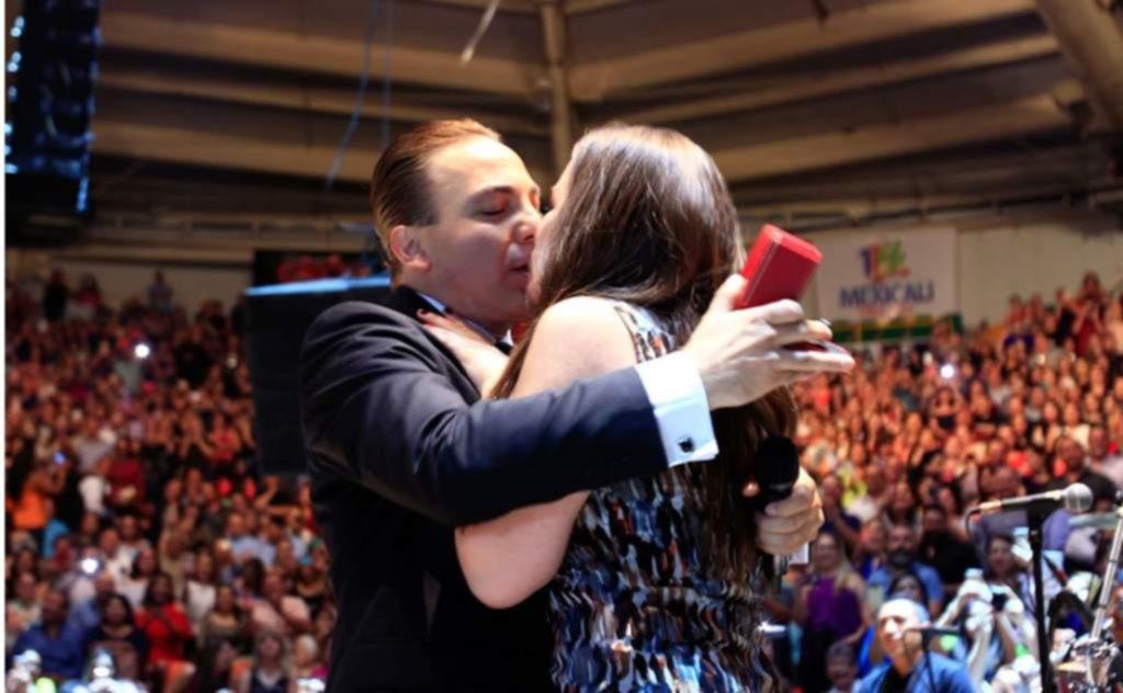 Cristian Castro confirmó su separación