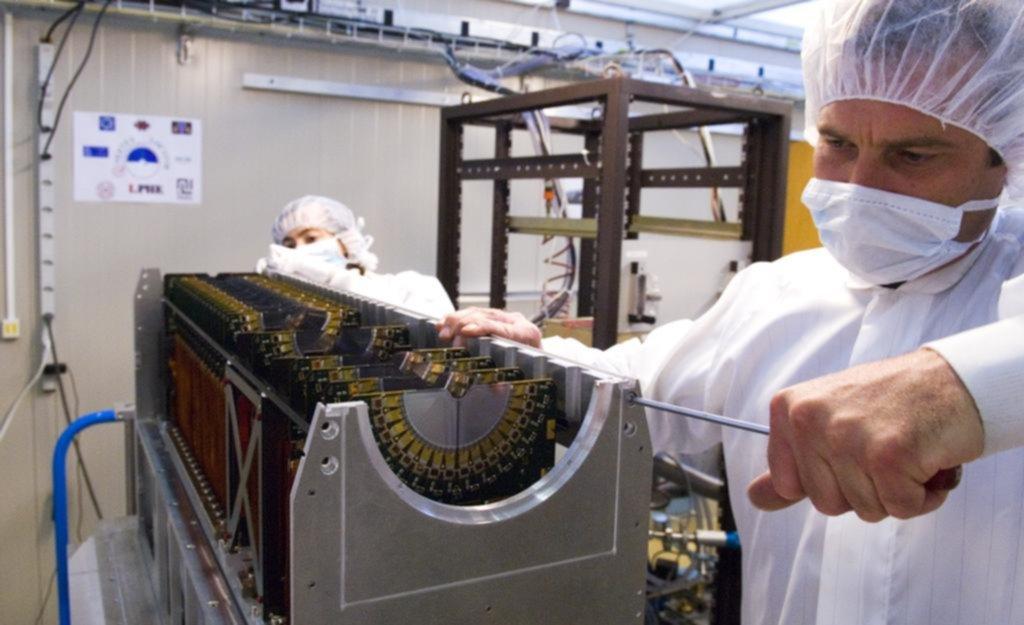 Observan nueva partícula en el Gran Acelerador de Hadrones