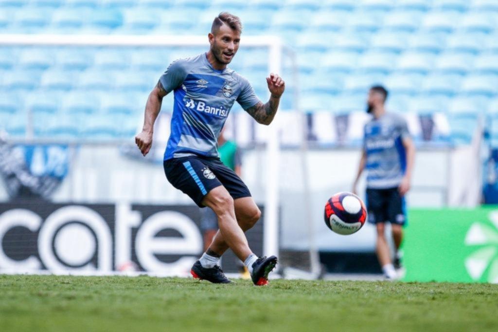 Gremio libera a Gastón Fernández para que busque nuevo club