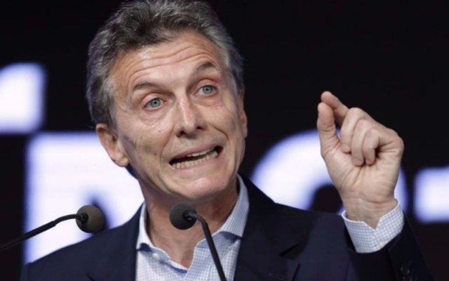 Macri lanza por decreto créditos para beneficiarios de AUH